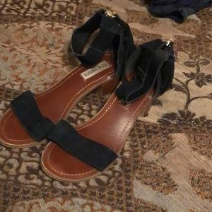 Steve Madden size 7.5 bell velvet zip up sandals